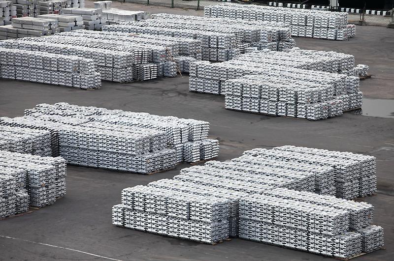 metal warehouse ingots by mrivserg