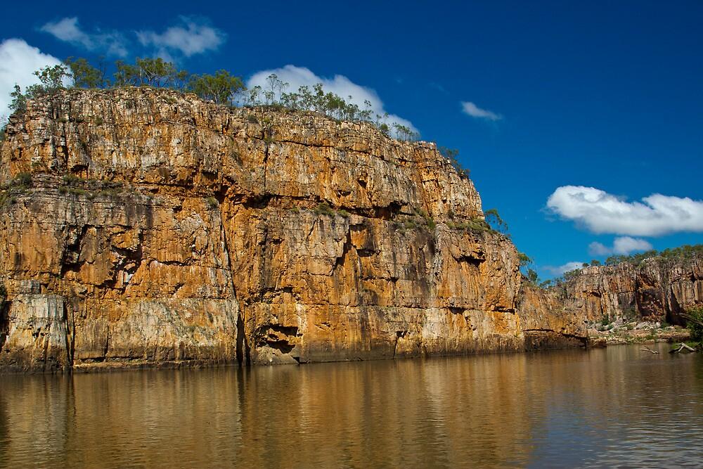 Jedda Rock - Katherine Gorge by Cam Ritchie