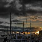 Queenscliff - First Light on the Harbour by Larry Lingard/Davis