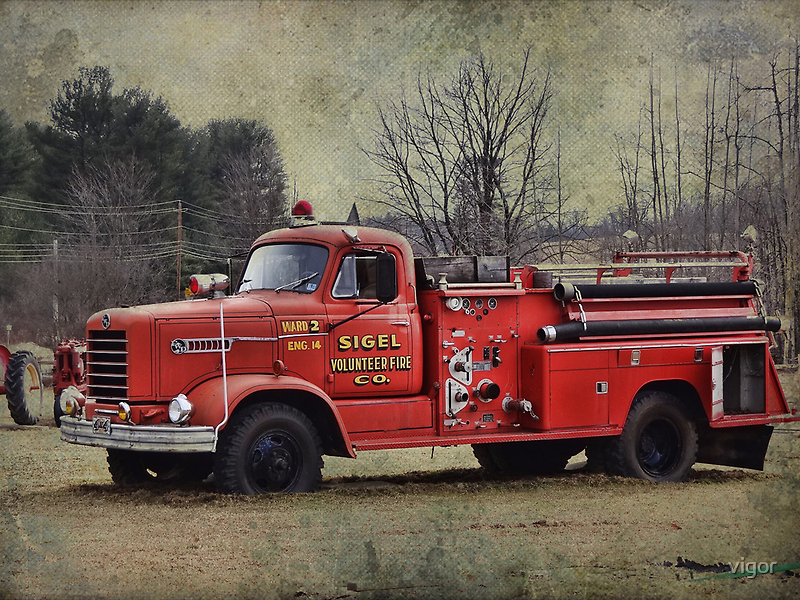 Old Time Fire Truck by vigor