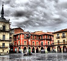 Plaza Mayor of Leon, Spain by vribeiro