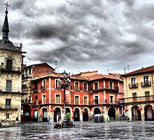 Plaza Mayor of Leon, Spain by vribeiro