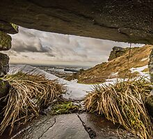 Hole in the Wall by Phil Tinkler