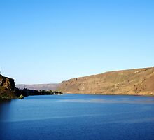 Coulee Lake by joiwatani