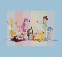 Sailor Moon Pinup - Cupcakes Kids Tee