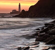 St Marys Lighthouse by Great North Views