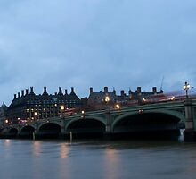 Westminster bridge and parliment by phil21
