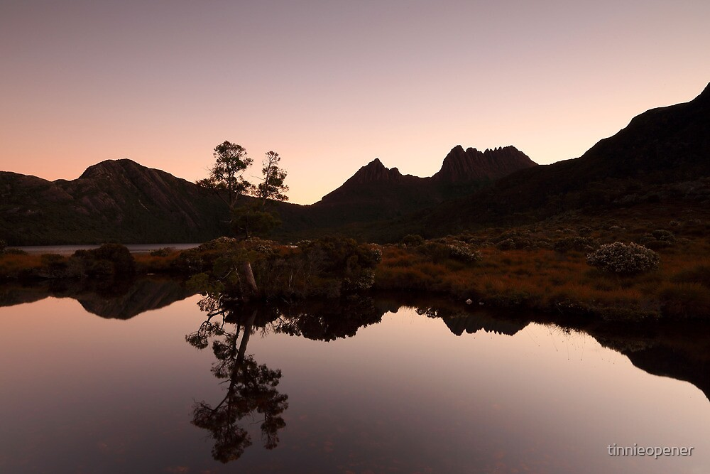 Cradle Mountain Dusk by tinnieopener