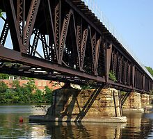 RAILROAD BRIDGE OVER THE ROCK by jclegge