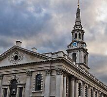 Trafalgar Square, London by ericrmc