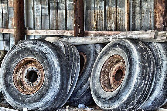 Old, Worn and Rusty by WeeZie