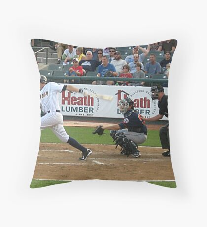 It's Time To RUN.... Throw Pillow