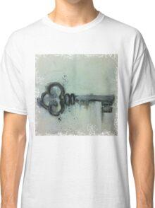 relic key Classic T-Shirt