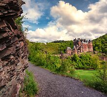 Burg (Castle) Eltz by Stephen Cullum