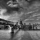 St Pauls Black and White by Dean Messenger