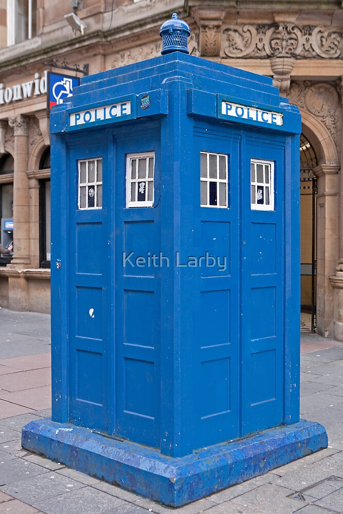 Police Phone Box  Glasgow by Keith Larby