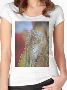 Iguana Women's Fitted Scoop T-Shirt