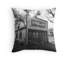 Old Sinclair Station (Black & White) Throw Pillow