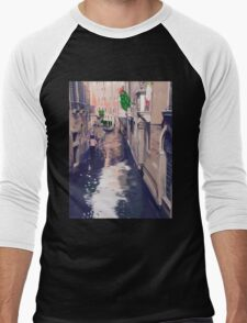 Venice canal with gondolas and gondoliers Men's Baseball ¾ T-Shirt
