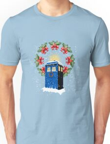 A WARM & COMFORTABLE TARDIS IN THE SNOWSTORM  Unisex T-Shirt