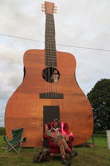 Play the Guitar by jollykangaroo