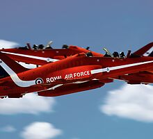 The Red Arrows Synchro Pair by James Biggadike