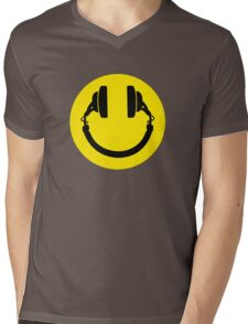 Smiley headphones Mens V-Neck T-Shirt
