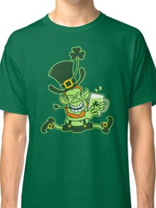 Green Leprechaun Running while Holding a Glass of Beer Classic T-Shirt