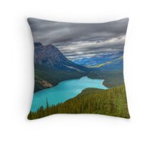 Roof over Peyto Throw Pillow
