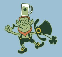 Leprechaun Balancing a Glass of Beer on his Head Kids Clothes