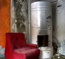 28.2.2013: Old, Abandoned Interior by Petri Volanen