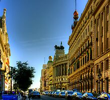 Calle de Alcalá, Madrid by Tom Gomez