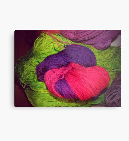 Bright Ball of Wool Knot Metal Print