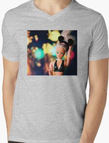 Barbie, Mens V-Neck T-Shirt