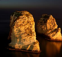 Night Shot - 02 - Beirut - Raouche - II by gramziss