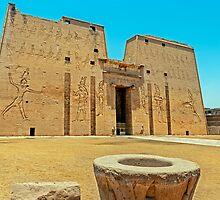 Temple of Horus2. by bulljup