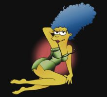 Marge Pin-up by Crooshl