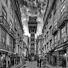 Santa Justa Elevator BW by manateevoyager
