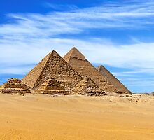 Menkaure (&queesns), Khafre & Cheops Pyramids. by bulljup