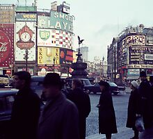 Piccadilly Circle by colecanvas