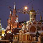 Moscou at night by Geoffrey Fighiera