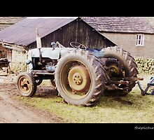 Tractor by thepicturedrome