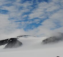 Glacier in Norway by 5unm4g