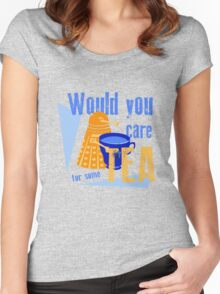 Dalek with Tea Women's Fitted Scoop T-Shirt