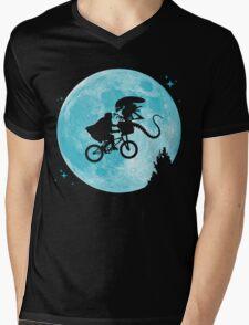 E.T. vs Aliens - transparent Mens V-Neck T-Shirt