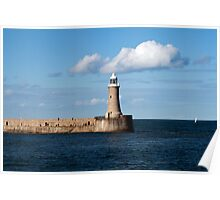 Tynemouth Lighthouse on the end of Tynemouth Pier, on the north east coast of England Poster