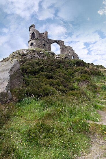 Mow cop castle by morrbyte