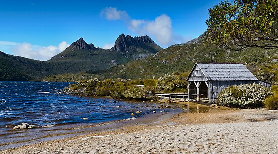 Dove Lake with Cradle Mountain backdrop by Chris  Randall