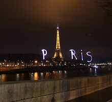 Lightpaint Paris by myebra