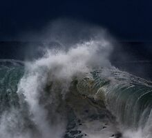 Winter Waves At Pipeline 7 by Alex Preiss